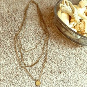 ✨Three layered gold chain necklace
